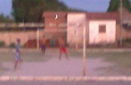Homem assalta mulheres e as agride com pedaço de madeira na zona rural de José de Freitas