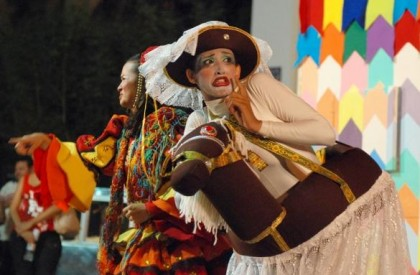 Festival de teatro reúne espetáculos de 13 estados em Floriano