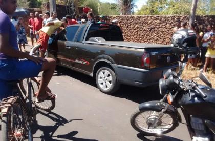 Homem comete suicídio dentro de carro no bairro Salobro
