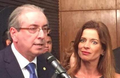 Médicos listam razões para expressão facial de Cláudia Cruz