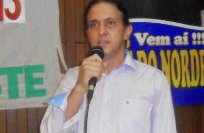 Fábio Gentil não apresenta primeiro programa de rádio