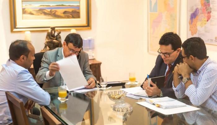 Governo promete retomar obras da estrada Rio Grande - Pavussu