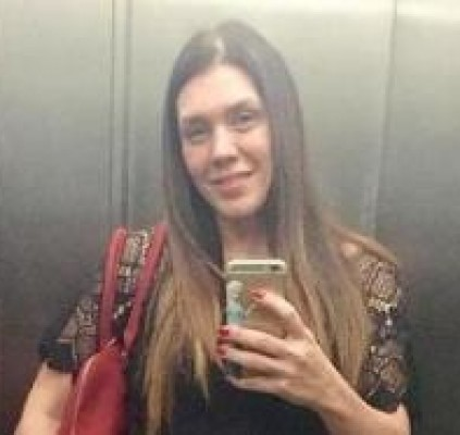 Cantora Simony é cobrada por empresário em rede social