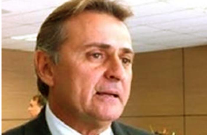 Luís Lobão manda imprensa investigar as contas da ALPEI