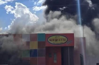 Fábrica de sorvete, Quy Sowetto, pega fogo no Piauí