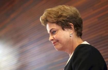 Dilma cobra ministros a reagir contra impeachment