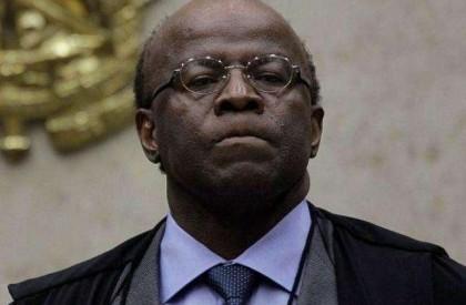 Joaquim Barbosa critica manobra de Cunha e diz que é ilegal