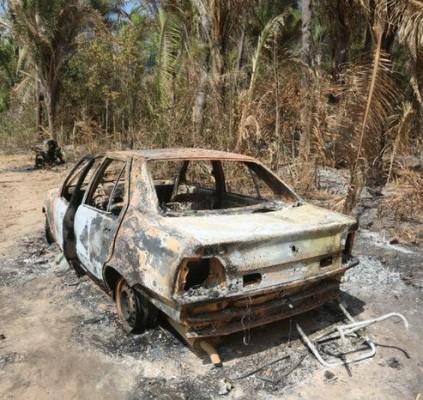 Ataque a assentamento deixa três feridos na...