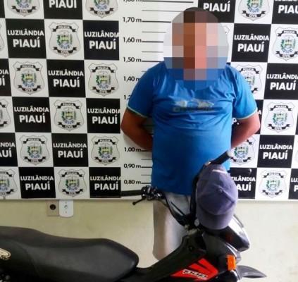 Polícia prende bando que roubava motos em...