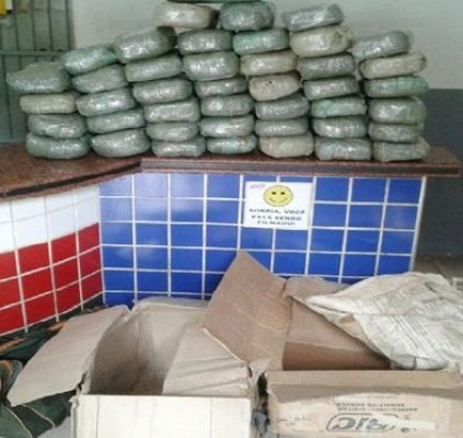 Polícia apreende mais de 50Kg de drogas...