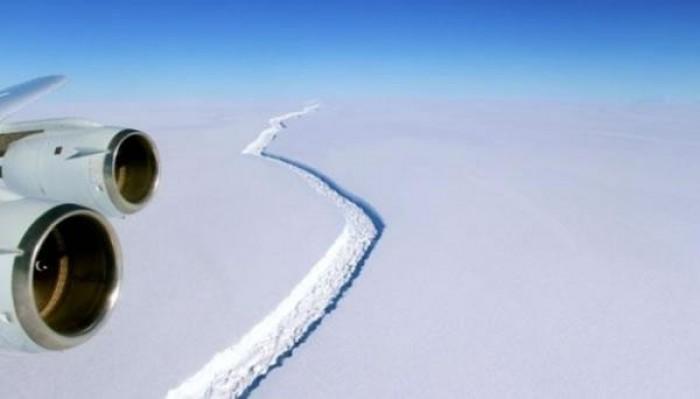 Iceberg gigante pode se desprender da Antártida a qualquer momento
