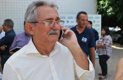 Sem informações de licitações da gestão anterior prefeito decreta...