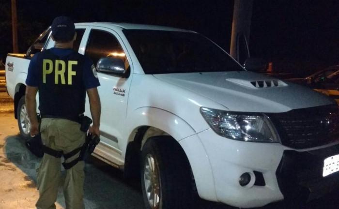 PRF recupera caminhonete de luxo em Caxias-MA