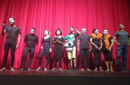 Projeto Cena Aberta ocupa as quintas-feiras do teatro Torquato...