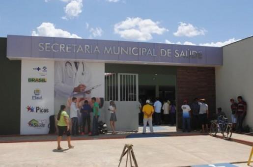 Homem percorre 3 bairros para fazer um curativo em Picos