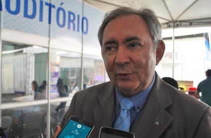 João Henrique diz que PMDB não se uniu ao...