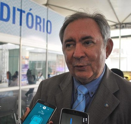 João Henrique diz que PMDB não se...
