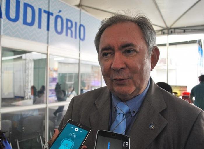João Henrique diz que PMDB não se uniu ao PT