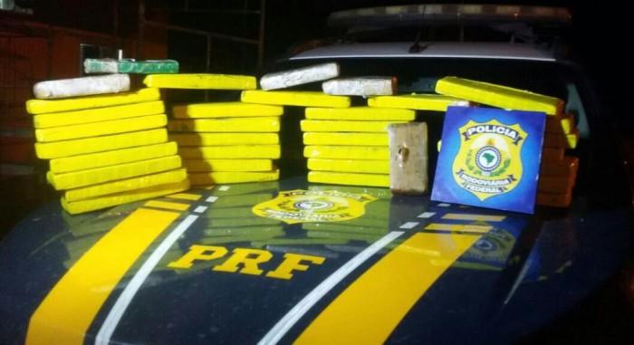 PRF apreende 30 kg de maconha dentro de ônibus no Piauí