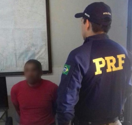 PRF prende acusados de tráfico e corrupção...