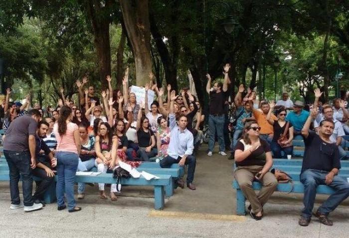 Servidores municipais da saúde deflagram greve em Teresina