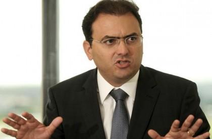 Temer contrata ex-presidente da OAB para defendê-lo em ação do TSE