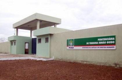 Tentativa de fuga é abortada na Penitenciária Irmão Guido