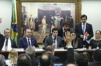 Comissão especial da Câmara aprova relatório da reforma trabalhista