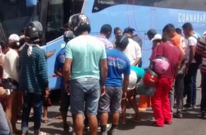 Mulher morre atropelada ao descer de ônibus em Timon