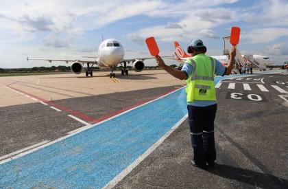 Obra na pista do Aeroporto muda horários de voos