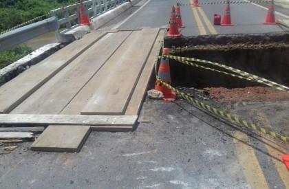 Ponte que liga Piauí ao Ceará tem passagem parcialmente liberada