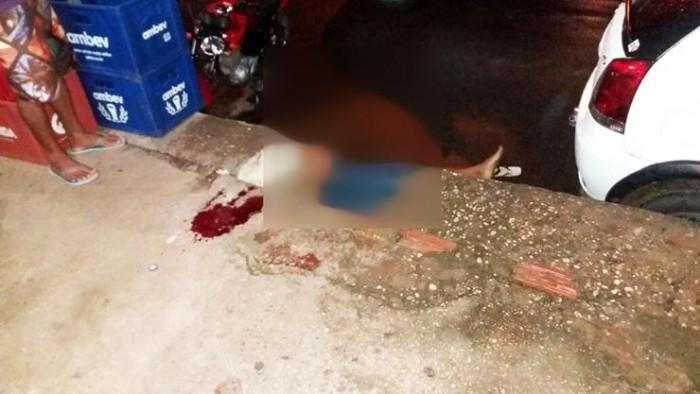 Troca de tiros em trailer mata um e fere duas pessoas