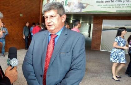 Zé Filho mantém oposição ao PT e não descarta...