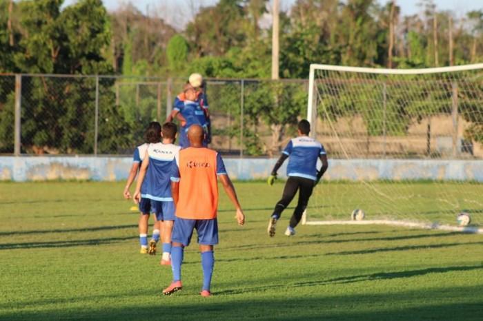 Altos vai para a final do Piauiense com 3 gols de vantagem