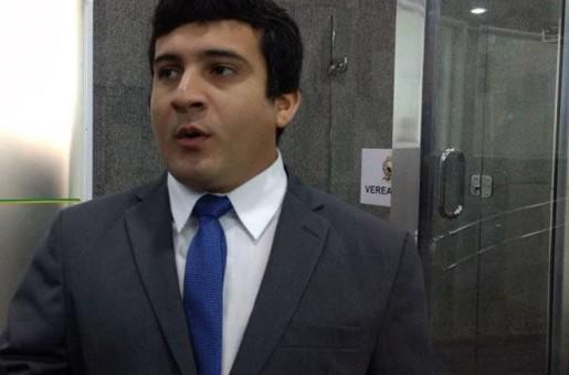 Deolino Moura diz que Prefeitura arma emboscada para Uber