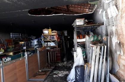 Incêndio destrói loja e deixa prejuízo de R$ 30 mil
