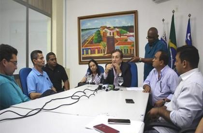 Mão Santa anuncia construção de residencial em Parnaíba