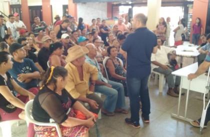 Prefeitura realiza reunião com feirantes em Pedro II