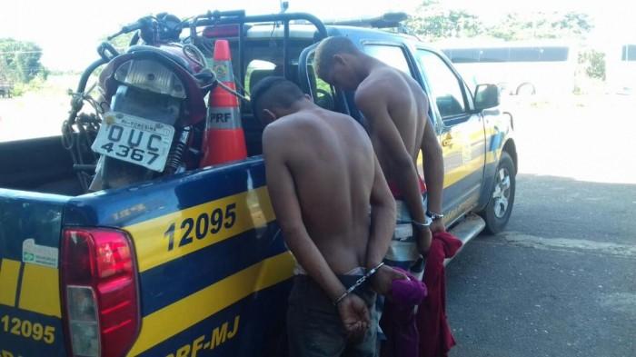 PRF prende assaltantes com moto adulterada em Teresina