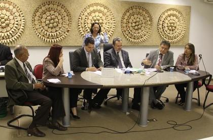 Comissão propõe criar Vara Agrária para regularizar terras em...