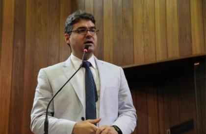 Luciano Nunes afirma que decisão de continuar na base...