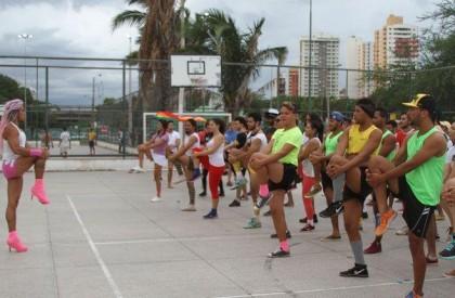 Orgulho LGBT promove shows e gaymada na Potycabana