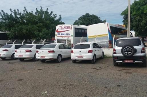 Proprietários de táxis apreendidos pela PRF terão de pagar 6 mil para retirar veículos