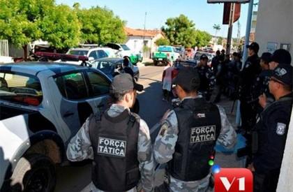 Quatro pessoas são detidas em operação da PM em...