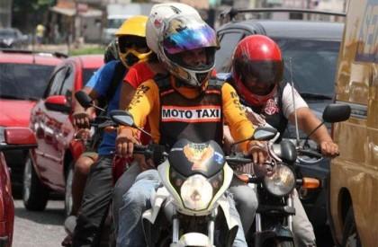 Termina em agosto o prazo para renovação de alvará de mototáxi