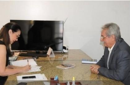 Carlos Monte solicita sinalização para o trânsito de Barras