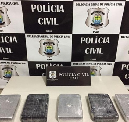 Polícia apreende droga avaliada em R$ 450...