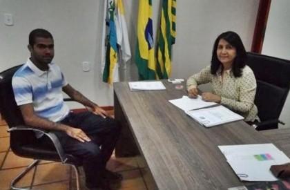Prefeita de Valença anuncia obras de asfaltamento para a...