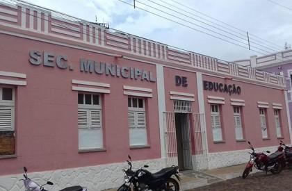 Prefeitura de Barras honra pagamento de abono férias em...