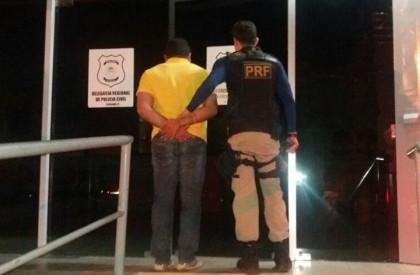 Homem é preso com carteira de motorista falsa em Floriano